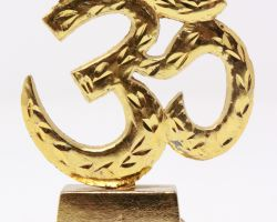 om stand gold plated