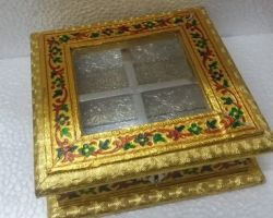 Dry fruits box golden