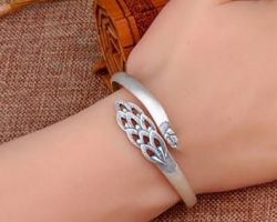 Silver bangle beautiful designed bangle A