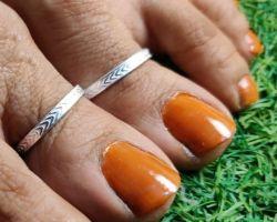 Silver foot thumb ring plane lining