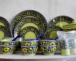 Blue pottery dinner set 39 piece green