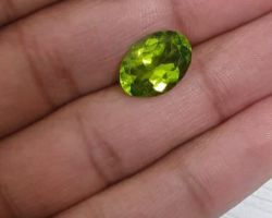 Natural peridot stone 7.25 ct