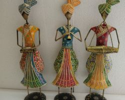 Metal figurine showpiece Rajasthani female musicians set of 3