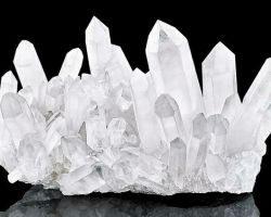 Crystal quartz cluster natural sphatik cluster 525 gm