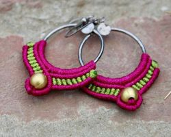 Handmade earrings with macrum thread and metal code 1
