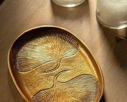 Serving platter cum tray fury gold  with leaf design