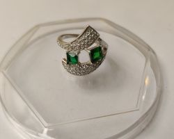 Emerald jerkin silver ring royal